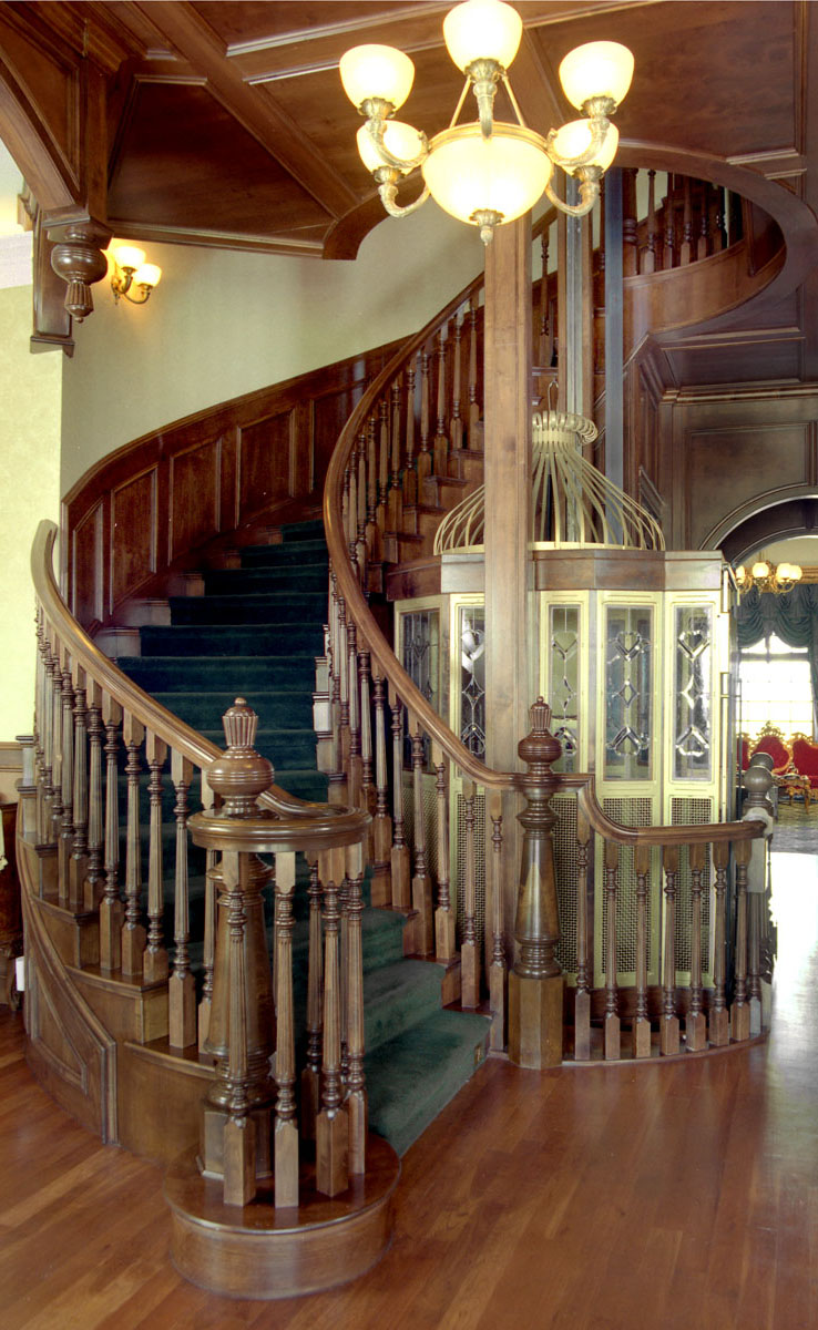 Traditional Wood Balustrade